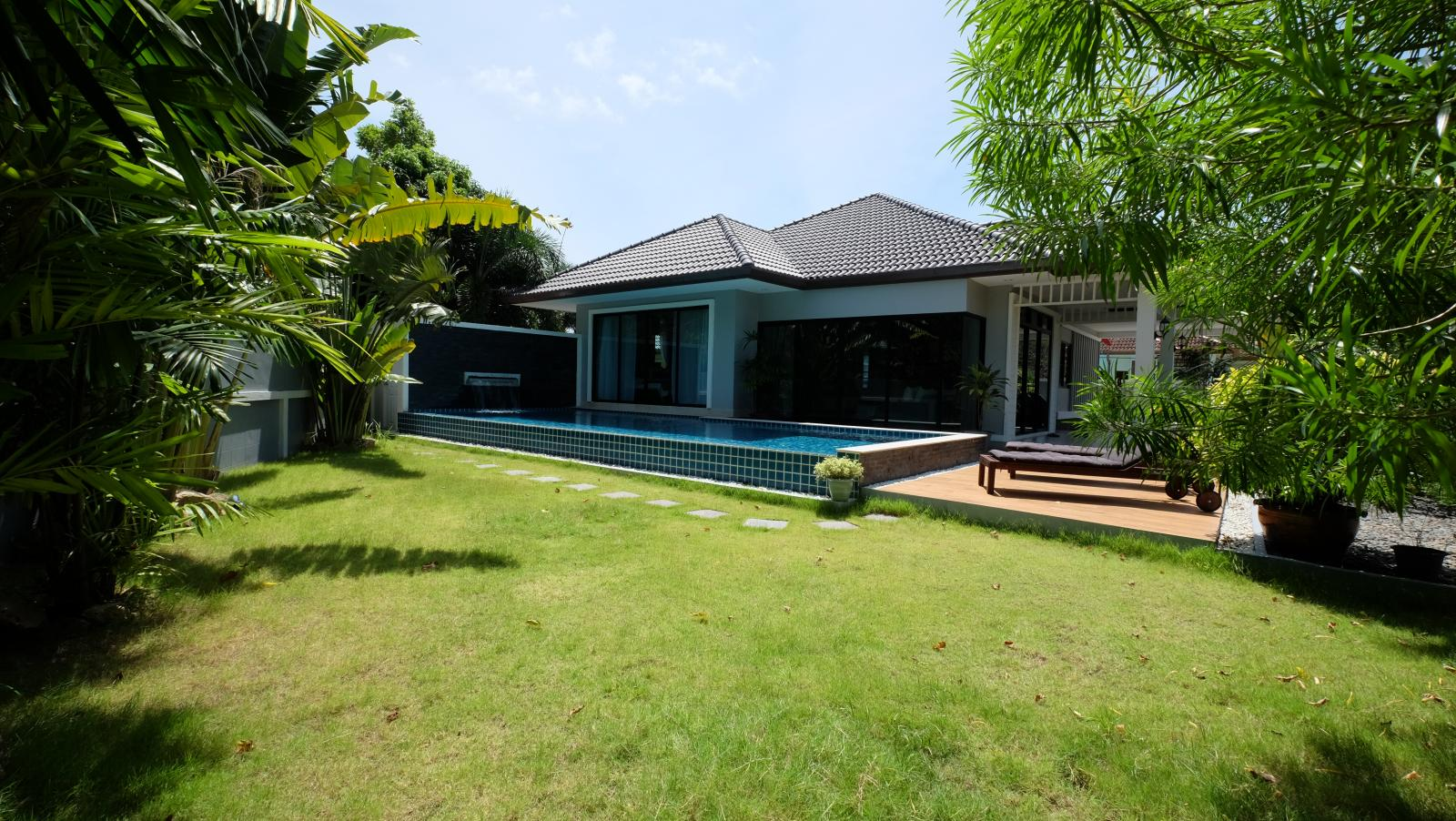 Phuket lovely modern 4 bedroom pool villa for sale in Kathu