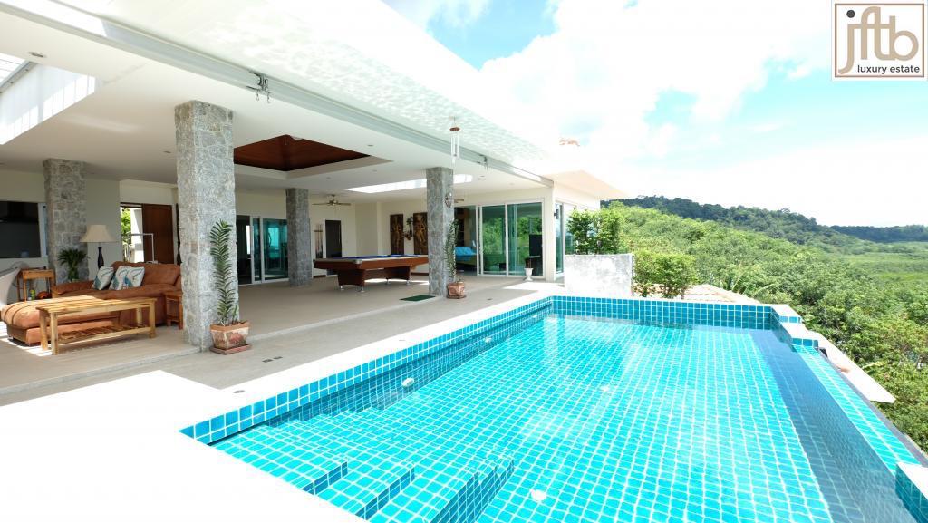 Villa vendre phuket paklok en thailande a la montagne for Piscine a debordement thailande