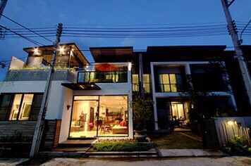 Picture  Fully furnished 6 bedroom Townhouse for sale in Phuket Town