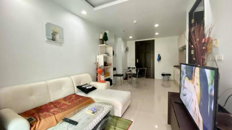 Picture Patong beach 1 bedroom condominium for sale in a modern residence with full facilities