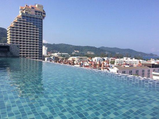 Photo Hôtel de 126 chambres à vendre dans un emplacement de 1er ordre à Patong
