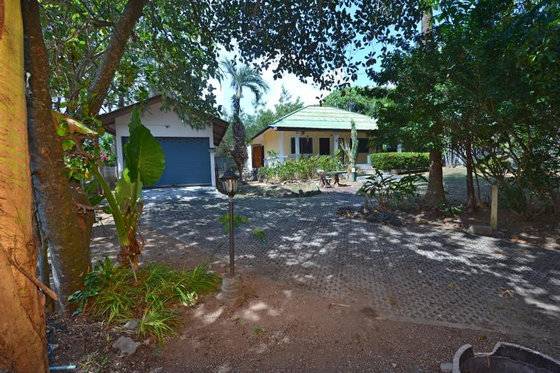 Picture Nai Harn 2 bedroom House with plot for sale Phuket