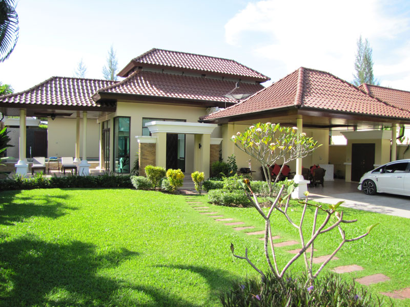 Picture 2 bedroom pool villa for sale in Bang Tao