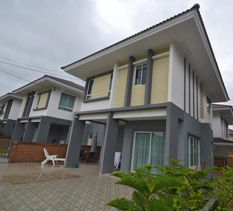 Picture Phuket 3 bedroom modern house for sale in Thalang