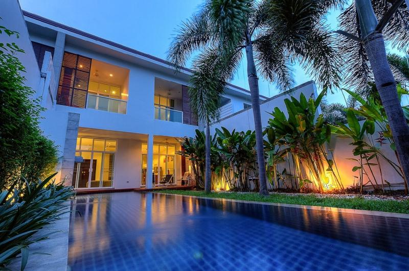 Picture 3 Bedroom Pool Villa for Sale in Bang Tao, Phuket