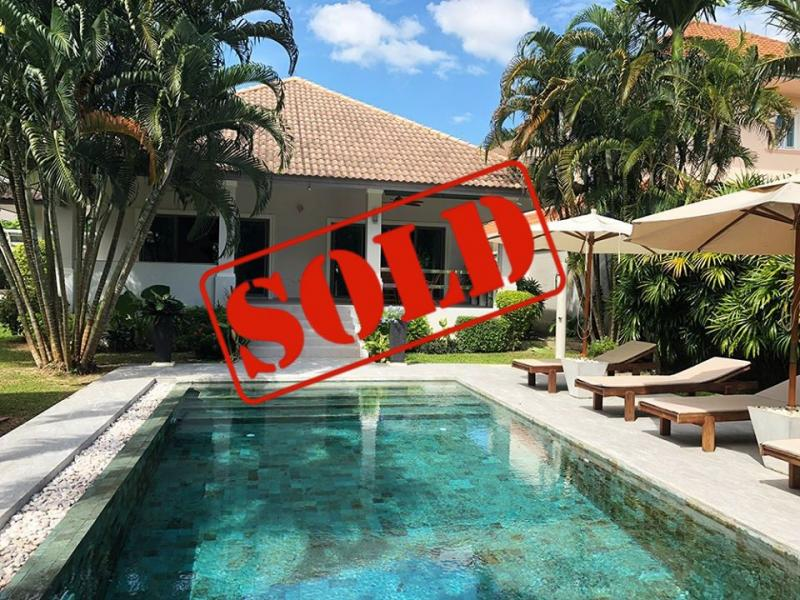 Photo Villa de 3 chambres avec piscine à vendre à Nai Harn, Phuket, Thaïlande