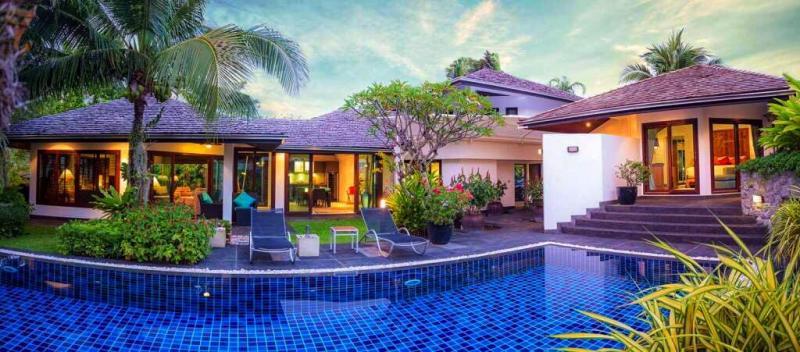Photo Phuket-Villa avec 3 chambres à coucher à louer ou à vendre à Surin