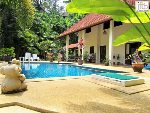 Picture Phuket 3 bedroom pool villa for sale in Rawai.