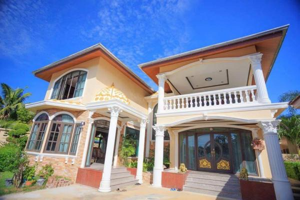 Picture house to sale in Chalong,Phuket with private pool