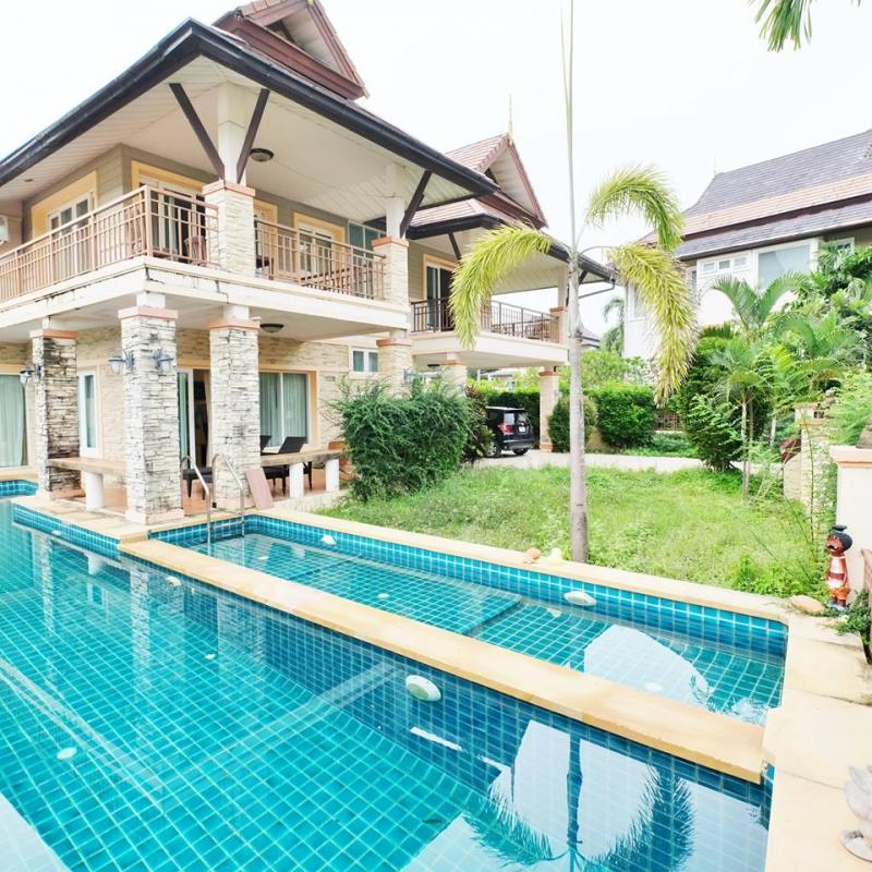 Photo Villa de 4 chambres avec piscine à Chalong, Phuket, Thaïlande