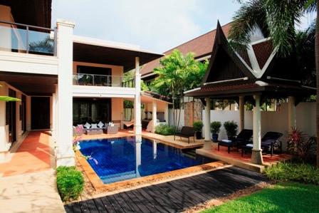 Photo Villa de 4 chambres avec piscine et vue sur la mer à vendre à Cherngtalay, Phuket
