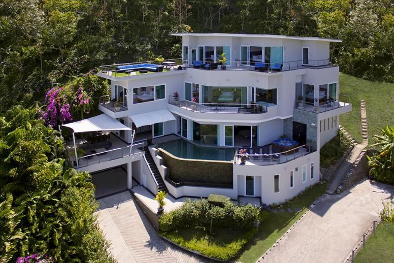 Photo Villa de luxe de 6 chambres à Bang Tao avec une vue mer imprenable