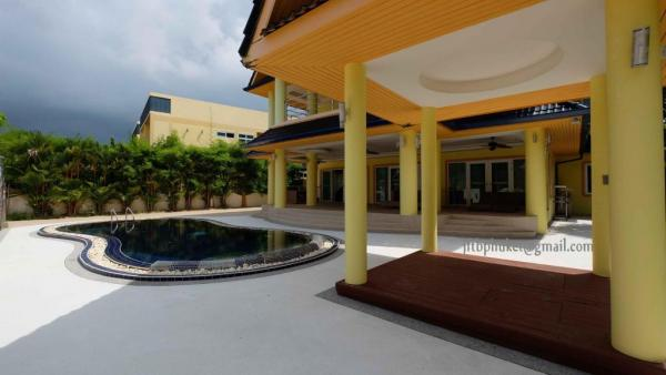 Picture 6 bedroom pool villa for rent in Rawai, Phuket