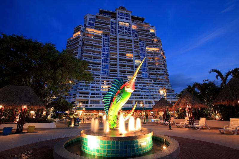 Photo 1 étage avec 8 appartements à vendre à Patong Beach, Phuket, Thaïlande