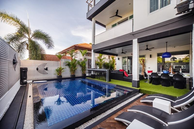Photo Vente villa de luxe avec 7 chambres à Rawai, Phuket , Thailande