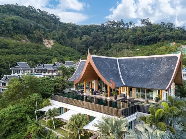 Picture Superb Exclusive Villa with Stunning Ocean View for sale in Kalim (Patong Beach)