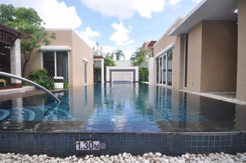在迈考出售的Picture海滨泳池别墅