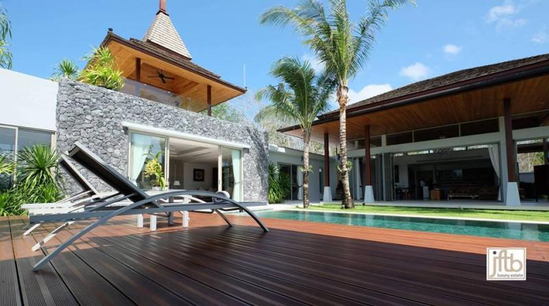 Picture Phuket-Top luxury 4 bedroom pool villa for sale in Layan