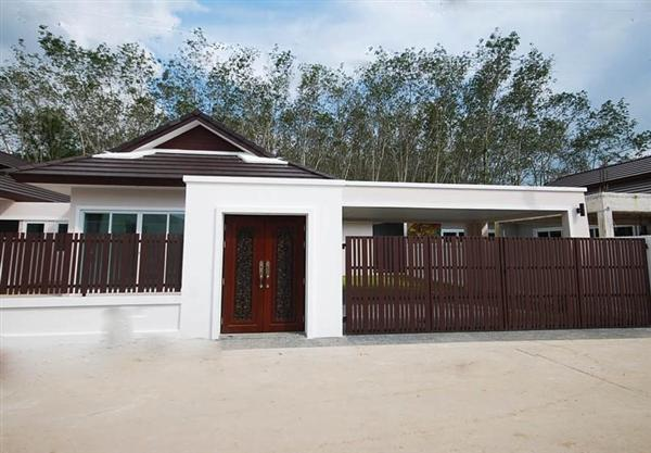 Picture 3 bedroom house with swimming pool in Thalang
