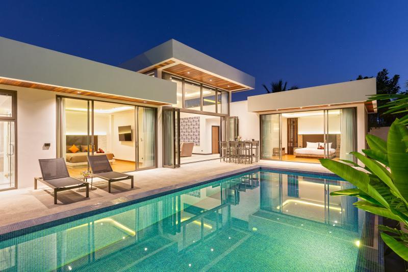 Picture Совершенно новая элитная вилла с бассейном в аренду / на продажу на Раваи