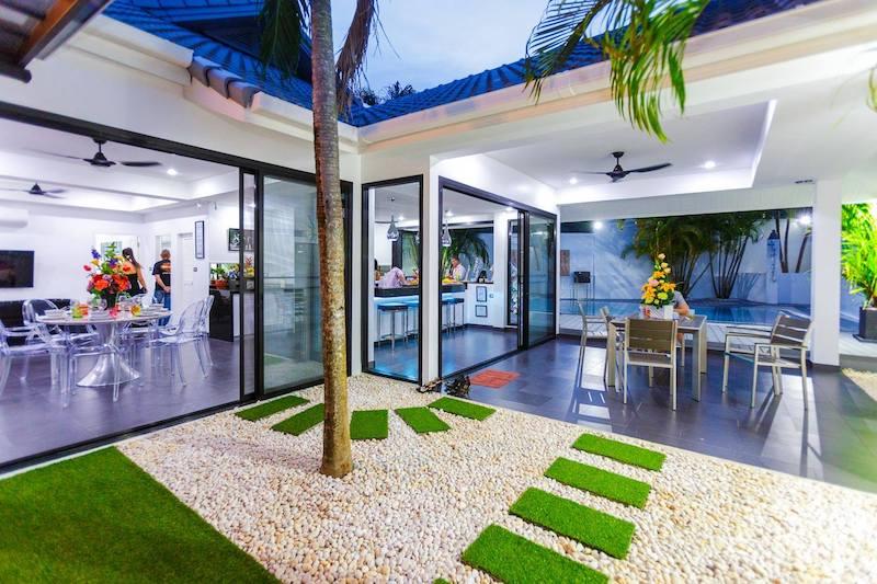 Photo Villa de luxe moderne avec 3 chambres et piscine à Nai Harn, Phuket
