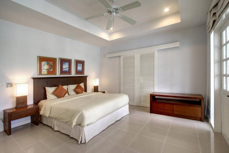 รูปภาพ ขายคอนโด 2 ห้องนอน ใน ลายัน ภูเก็ต