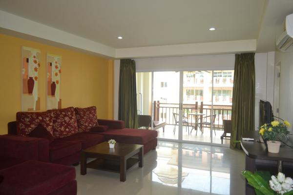 Picture 2 bedroom apartment for sale or for rent in Nai Harn (Phuket)