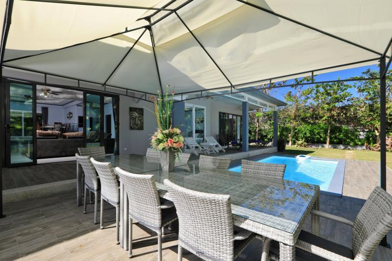 Picture Luxury 5 bedroom pool villa for rent / sale in Kamala beach
