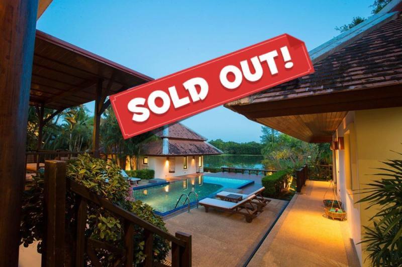 Photo Villa de luxe avec 3 chambres au bord d'un lac à vendre à Nai-Harn, Phuket