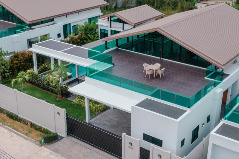 Photo Villa au design loft galerie à vendre à Nai Harn, Phuket