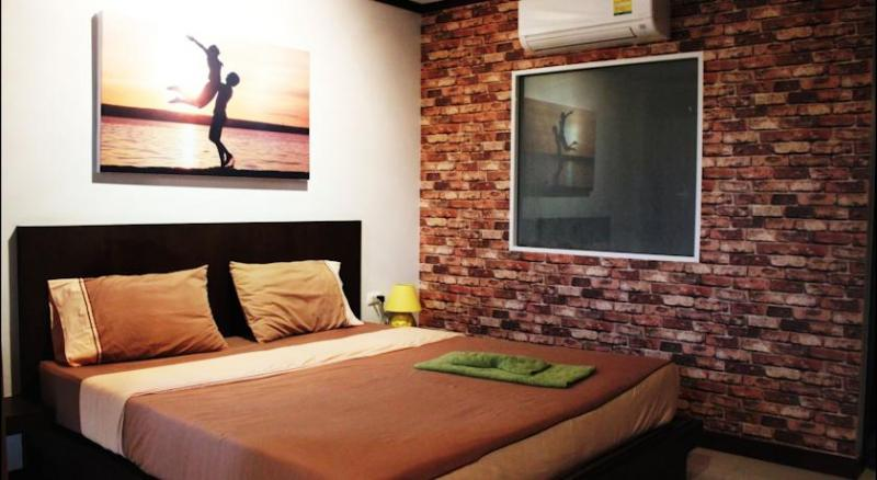 Picture 15 bedroom hotel for lease in Patong
