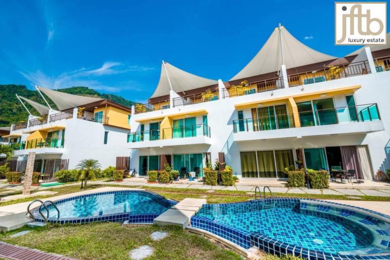 Photo Maison de ville moderne de 3 chambres à vendre à Kamala, Phuket