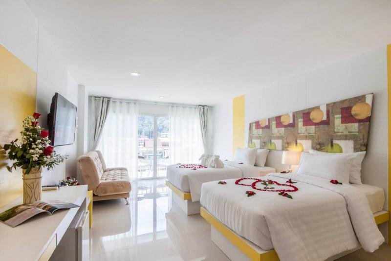 Picture Pool Hotel with 150 Rooms for Lease in Patong, Phuket