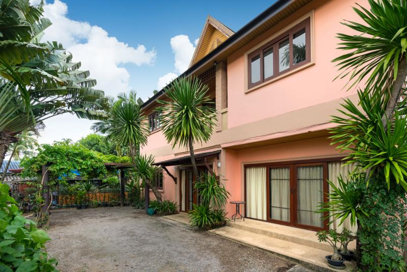 Picture Spacious 3 bedroom house with garden for rent in a sought after area in Cherngtalay