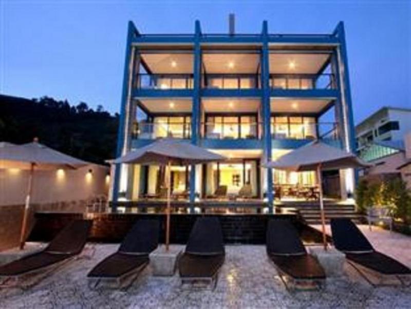 Photo  Kalim Hôtel en front de plage avec piscine et design unique à vendre près de la plage de Patong