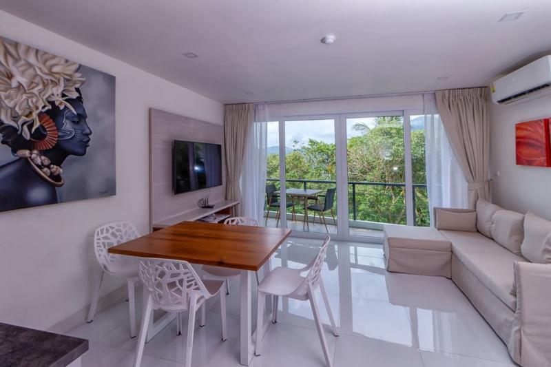 Photo Location d'un appartement de 2 chambres avec vue mer à Karon, Phuket
