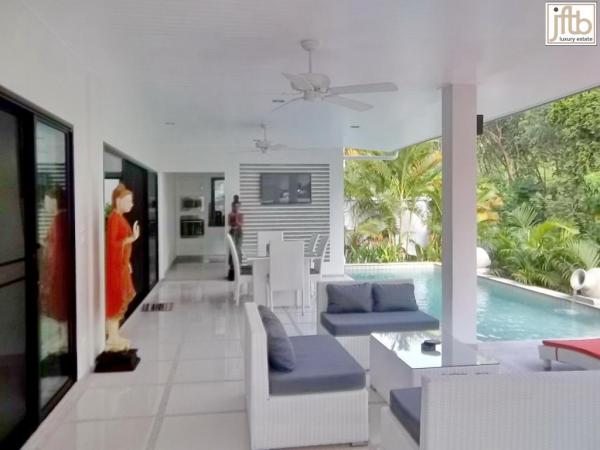 Picture 2 bedroom pool villa for rent in Rawai
