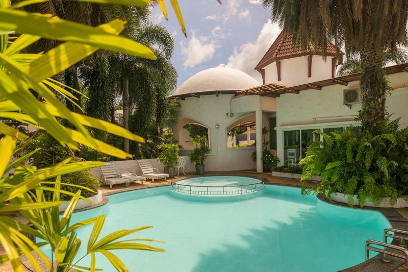 Photo Nai Harn maison de 3 chambres avec piscine à vendre