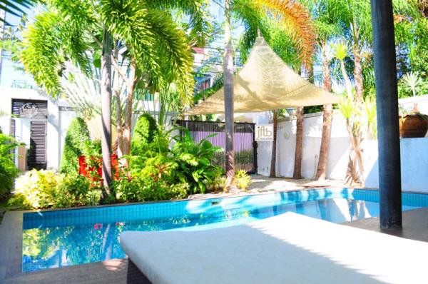 Picture Luxury 2 bedroom pool villa for rent in Rawai, Phuket