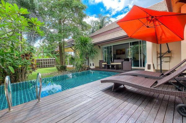 Photo Vacances de luxe à Phuket: villa à louer à Nai Harn
