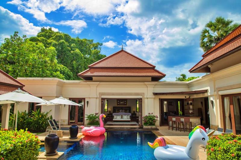 Picture Luxury Pool villa for Rent in a Prime Area of Phuket