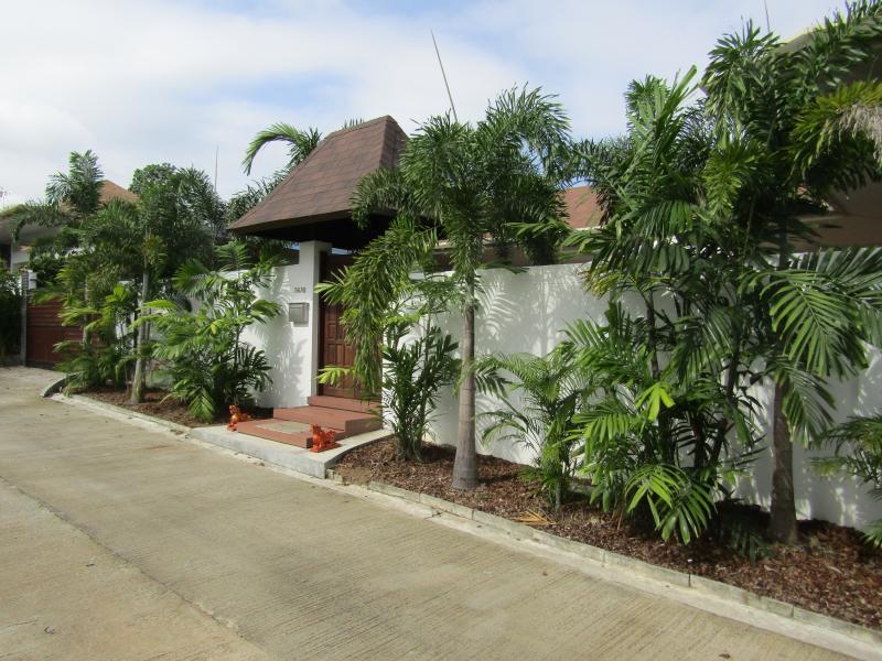 Photo Belle villa de 4 chambres avec piscine à vendre à Cherngtalay, Phuket, Thailande