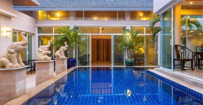 拉威的巴厘岛风格泳池别墅出租或出售