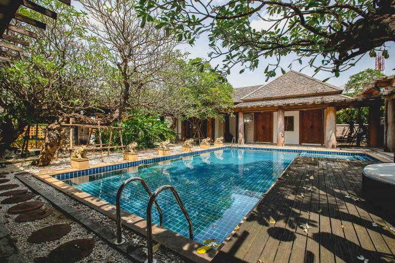 Picture Exclusive Thai style Villa on a plot of 1Rai for sale in Nuanchan, Bangkok