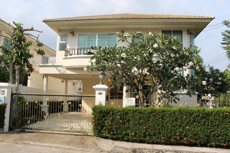 Picture 3 Bedroom Detached  House for Sale in Thalang, Phuket