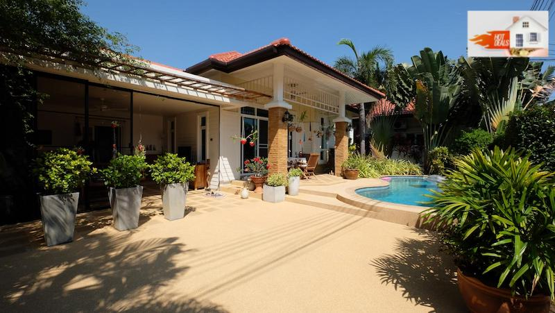 Picture Phuket lovely modern 3 bedroom pool villa for sale in Chalong
