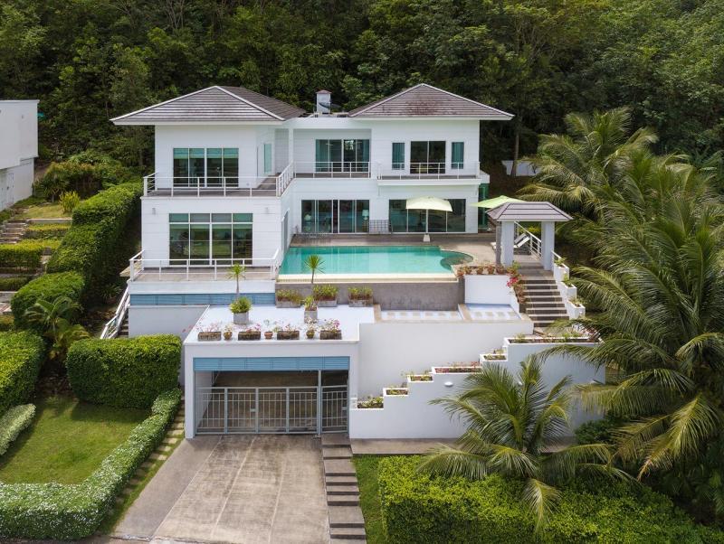 Photo Superbe villa familiale à vendre à Kathu, Phuket, Thailande