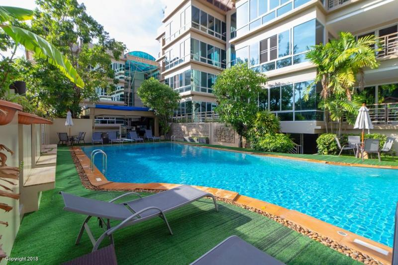 Photo Très grand appartement avec 2 chambres à louer à Karon