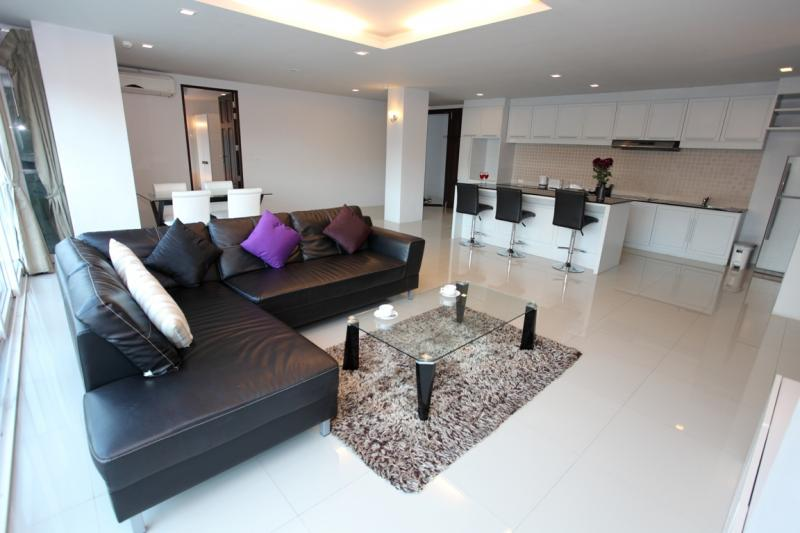 Picture Patong Beach Luxury Spacious 2 Bedroom Condo for Rent