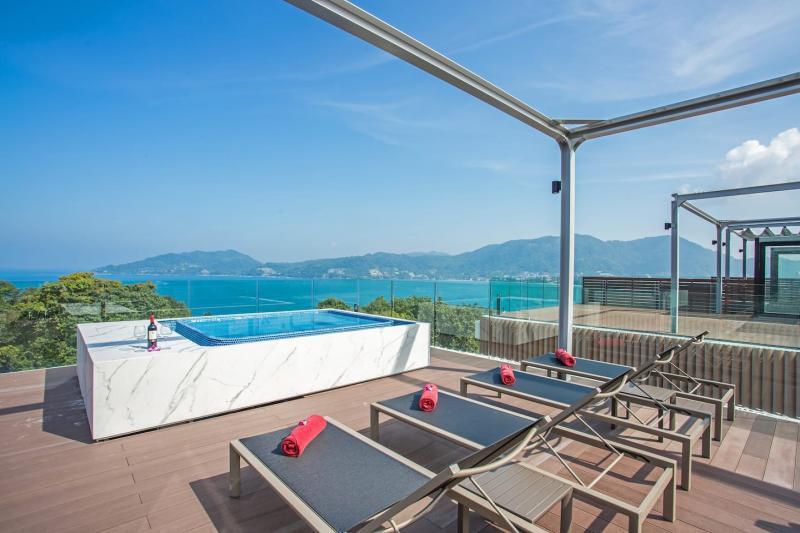 Photo Appartement Ultra Luxueux de 3 Chambres avec Vue  Mer à Louer à Patong